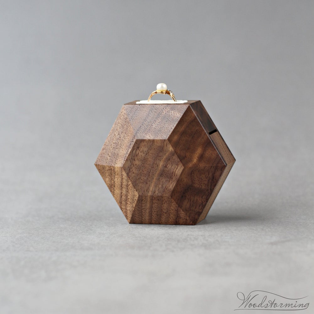 Image of Rotating hexagon shape ring box by Woodstorming