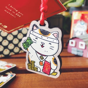 Image of MOMO - LUCKY CAT CHARM