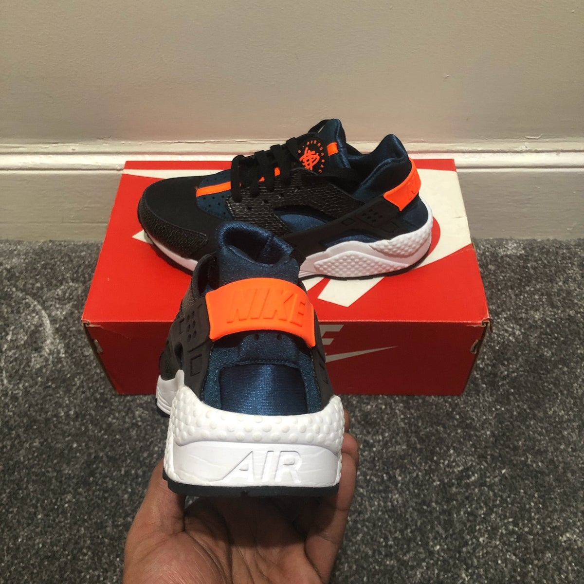 Image of Nike Air Huarache Hyper Crimson