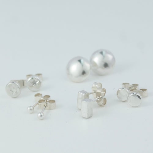 Image of MAKE STUD EARRINGS (MORNING 26.4.20)