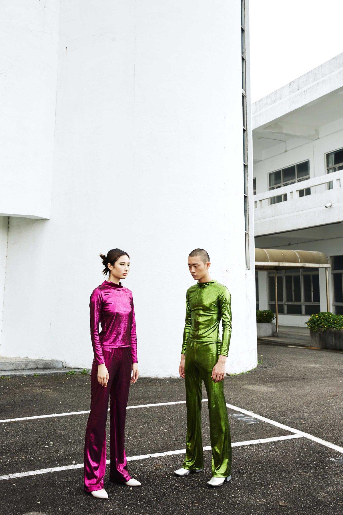 Image of 甲蟲綠合身套裝