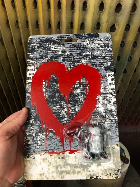 Image of R2tag2 - spread love (red)