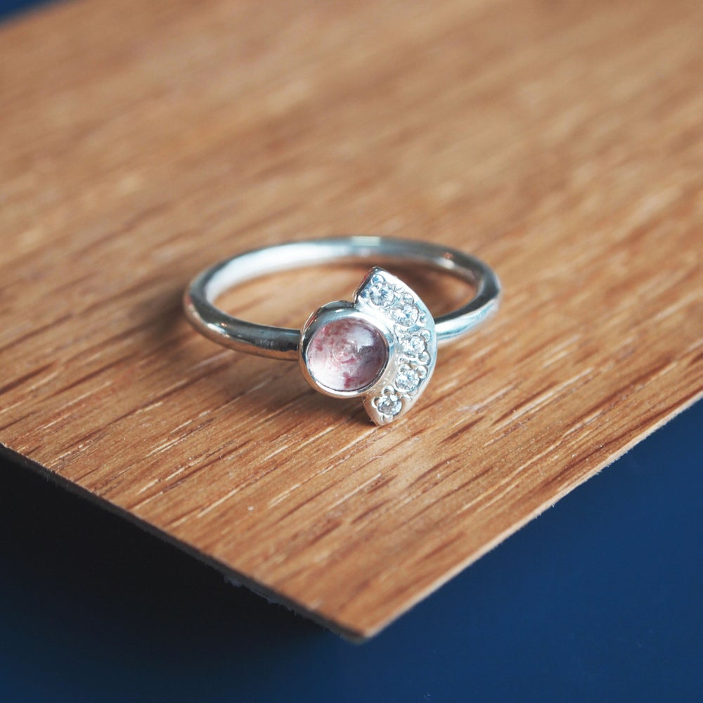 Image of Strawberry Quartz Fan Ring