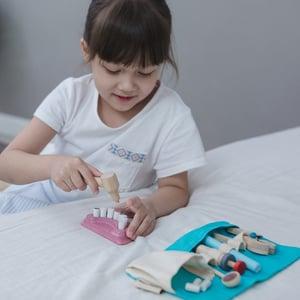 Image of Plan Toys Dentist set