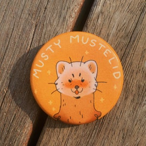 musty mustelid button