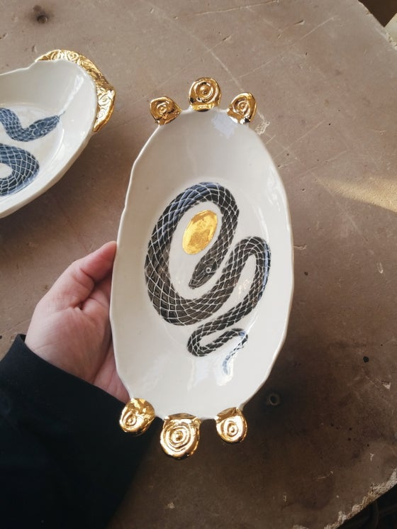 Image of Orphic egg offering dish 2