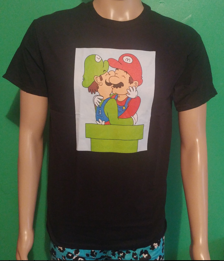 Image of Mario and Luigi kissing tshirt
