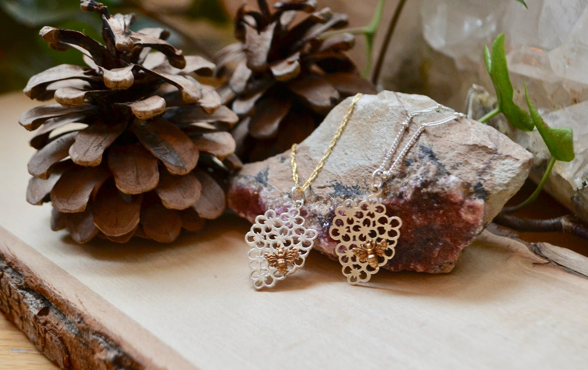 Image of Honey bee and flowers necklace