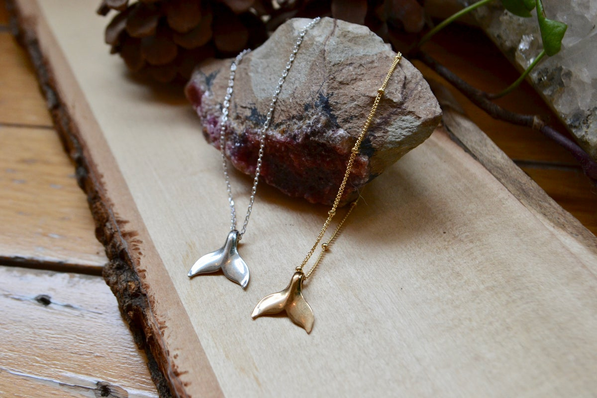 Image of Whale tale necklace