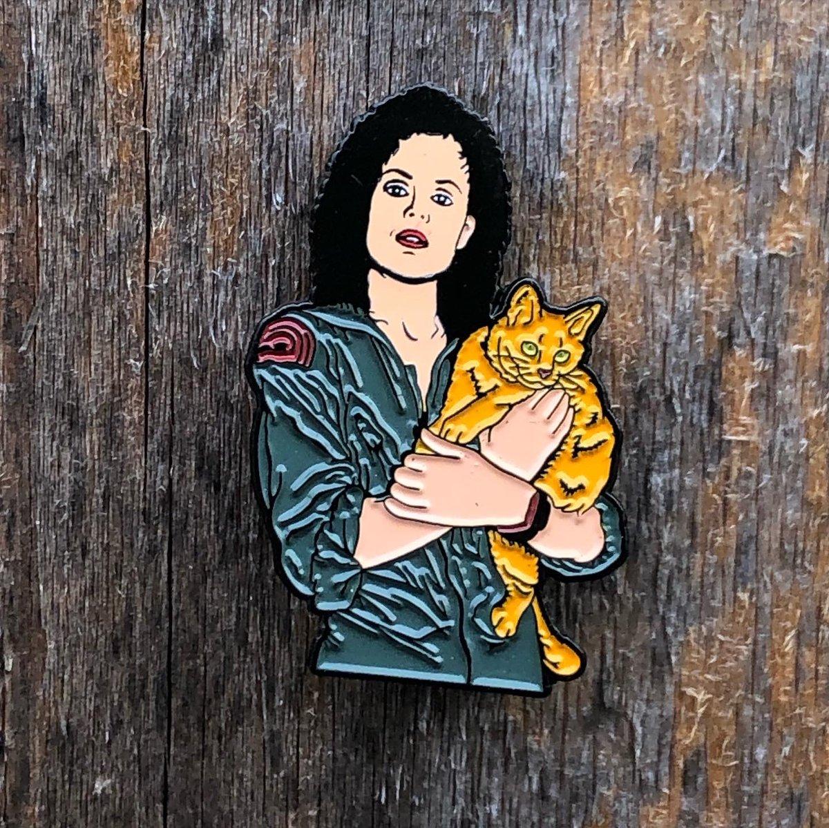 Image of Alien tribute - Ripley and Jonesy pin