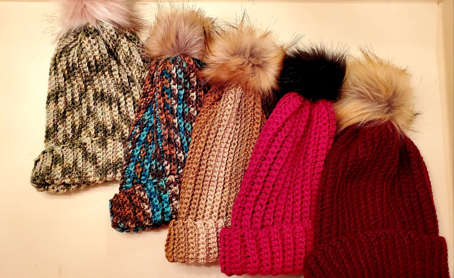 Image of Ribbed Hat with Faux Fur Pom