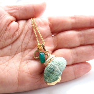 Image of Green shell necklace