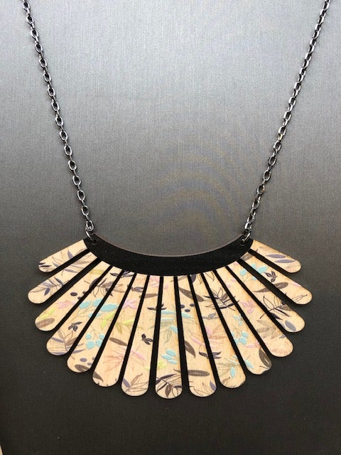 Image of Floral Shell Necklace