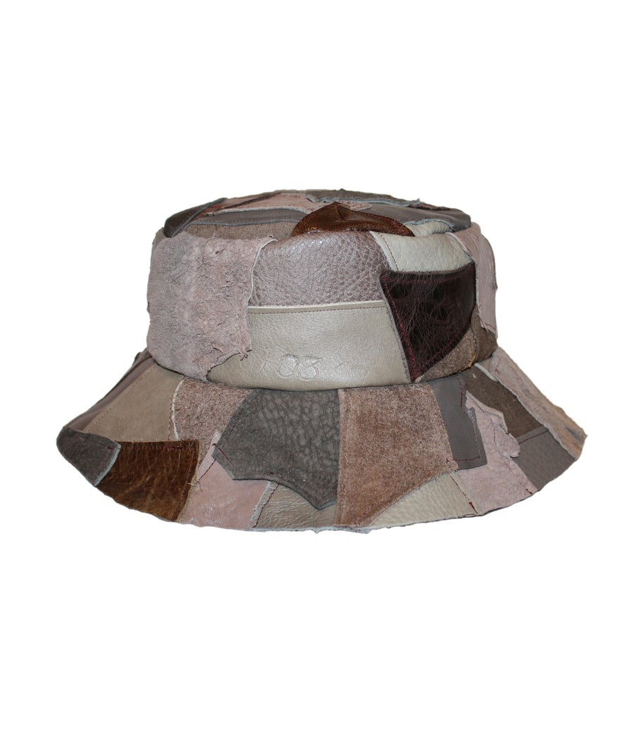 Image of LEATHER BUCKET HAT (MUSHROOM)