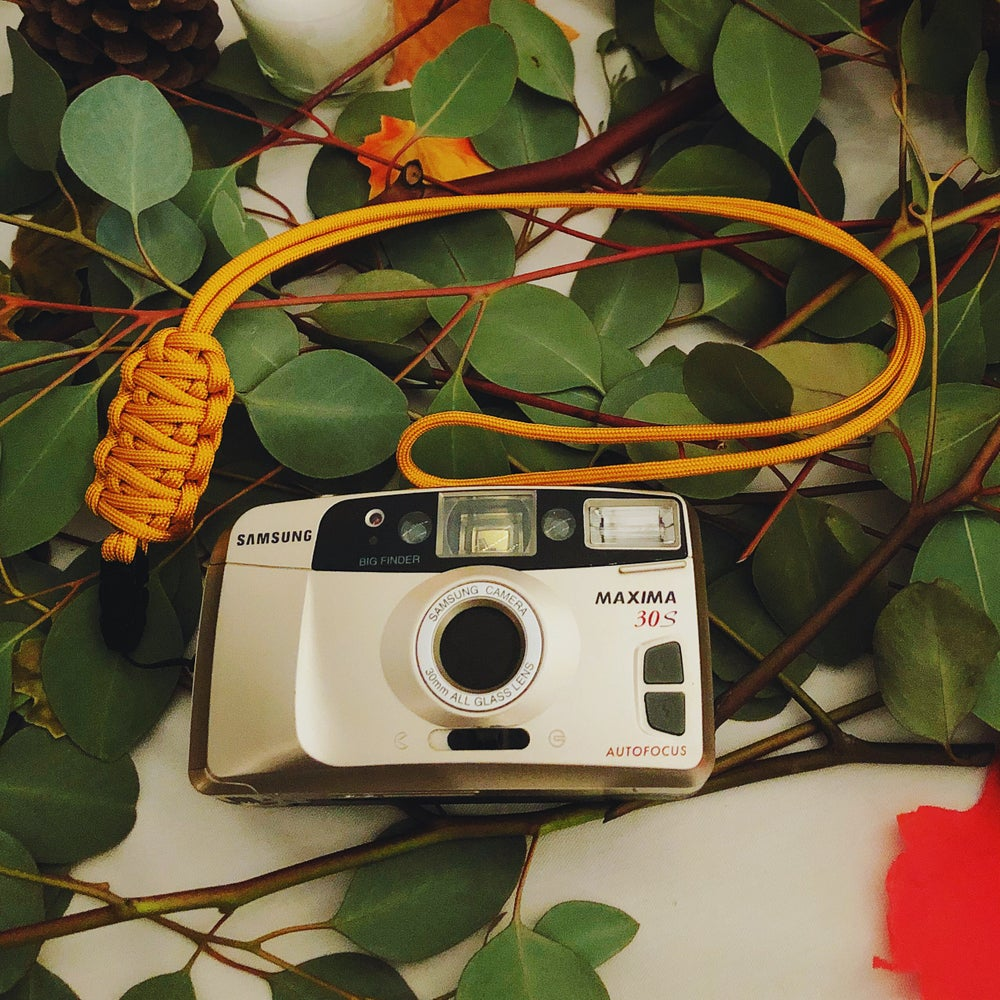 "Image of Compact Paracord camera lanyard w/ quick release buckle attachment (20""-21"" long)"