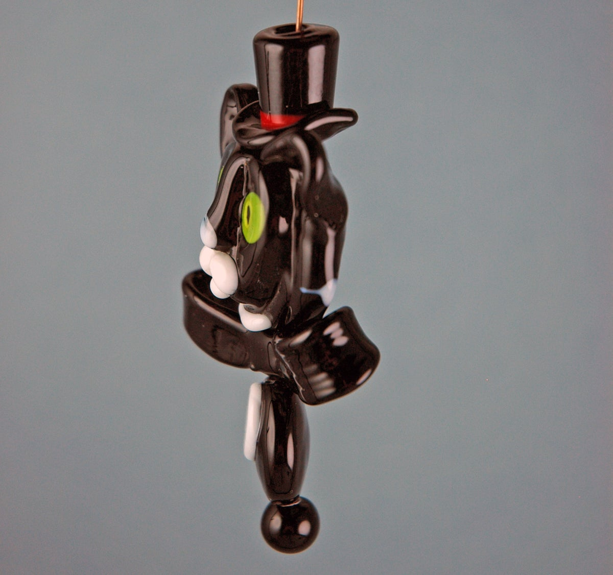 Image of Tuxedo Cat with Top Hat (5 beads)