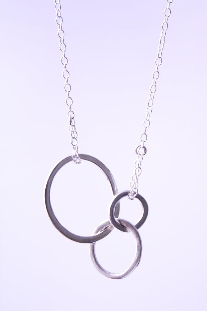 Image of Interlocking silver loops necklace