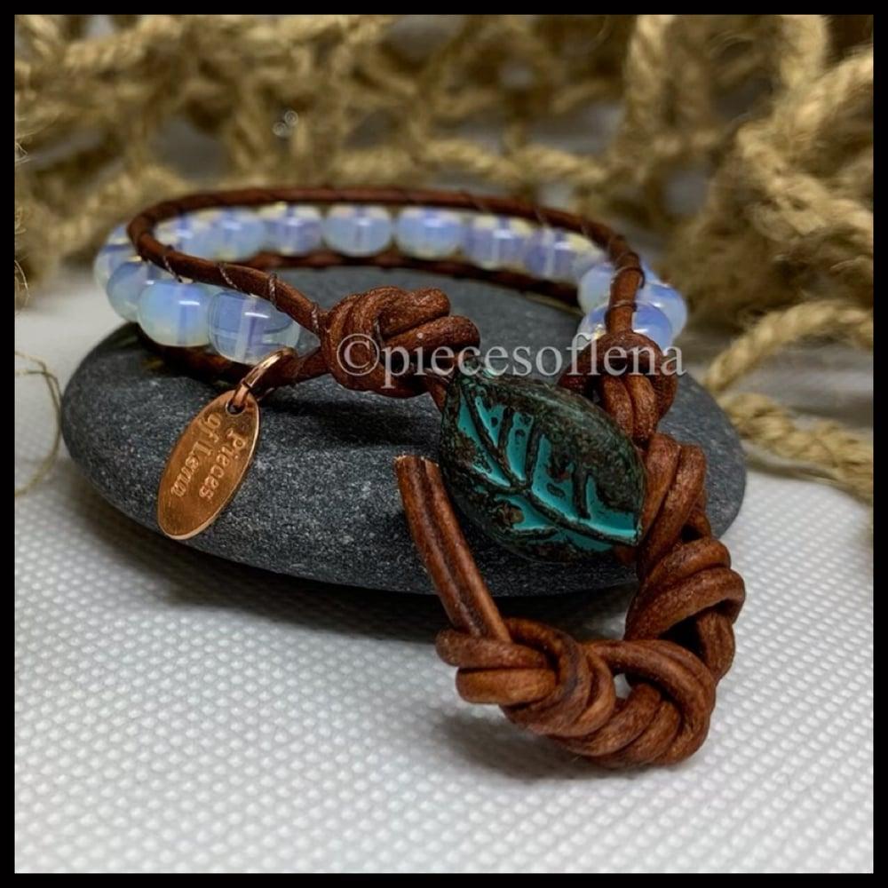 Image of SINGLE WRAP - Moonstone Leaf