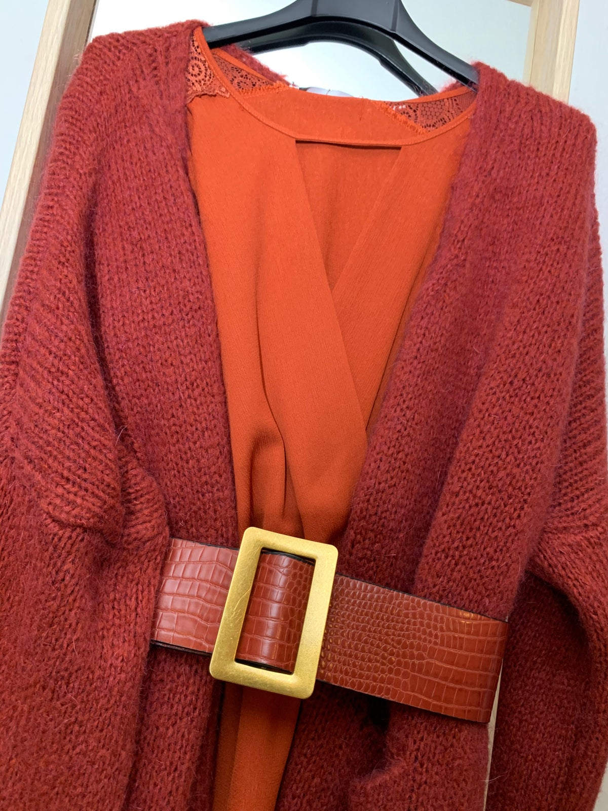 Image of CARDIGAN LUNGHI CON TASCHE
