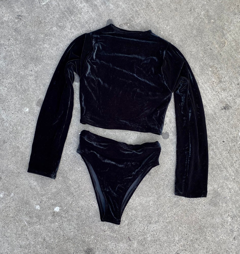 Image of VELVET LONG SLEEVE TOP W/BOTTOMS