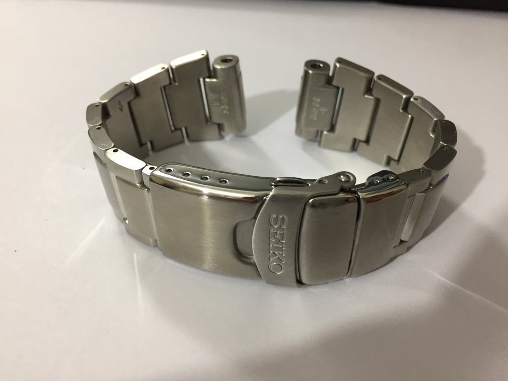 Image of SEIKO 35J5-G-C STRAIGHT SOLID FIXED BULLET LUGS GENTS WATCH STRAP,S/STEEL,20MM,NEW.