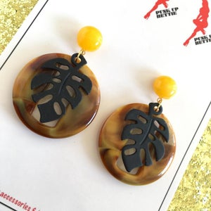 Image of Miss Monstera Deliciosa Earrings - Olive/Cocoa