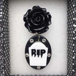 Image of Death by Beauty Brooch