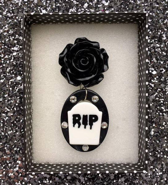 Image of SALE - Death by Beauty Brooch