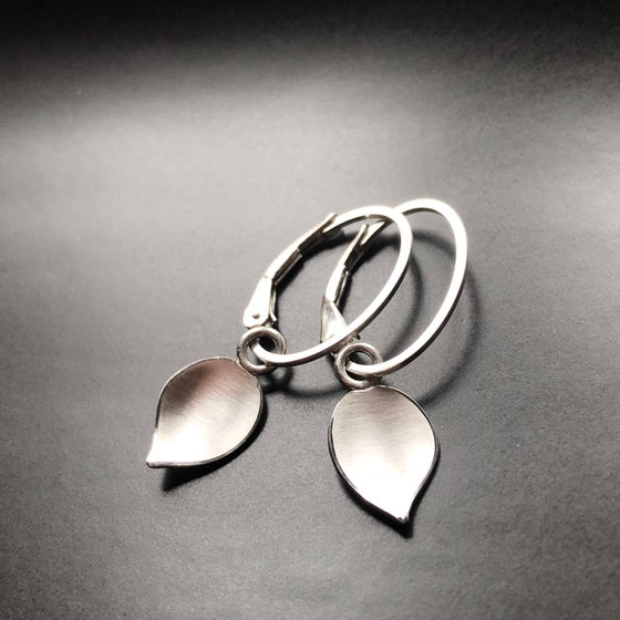 Image of Leaf Dangle Hoops
