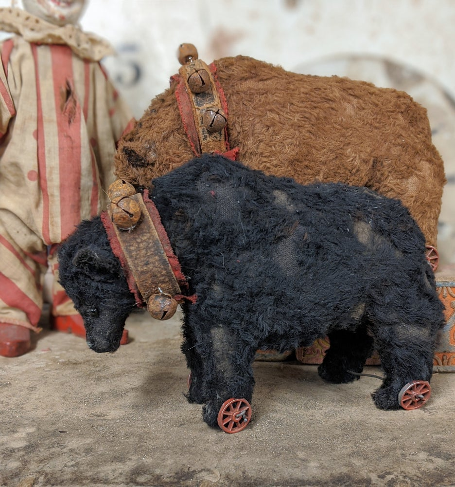 "Image of 4"" tall old worn black bear pull toy by whendis bears"