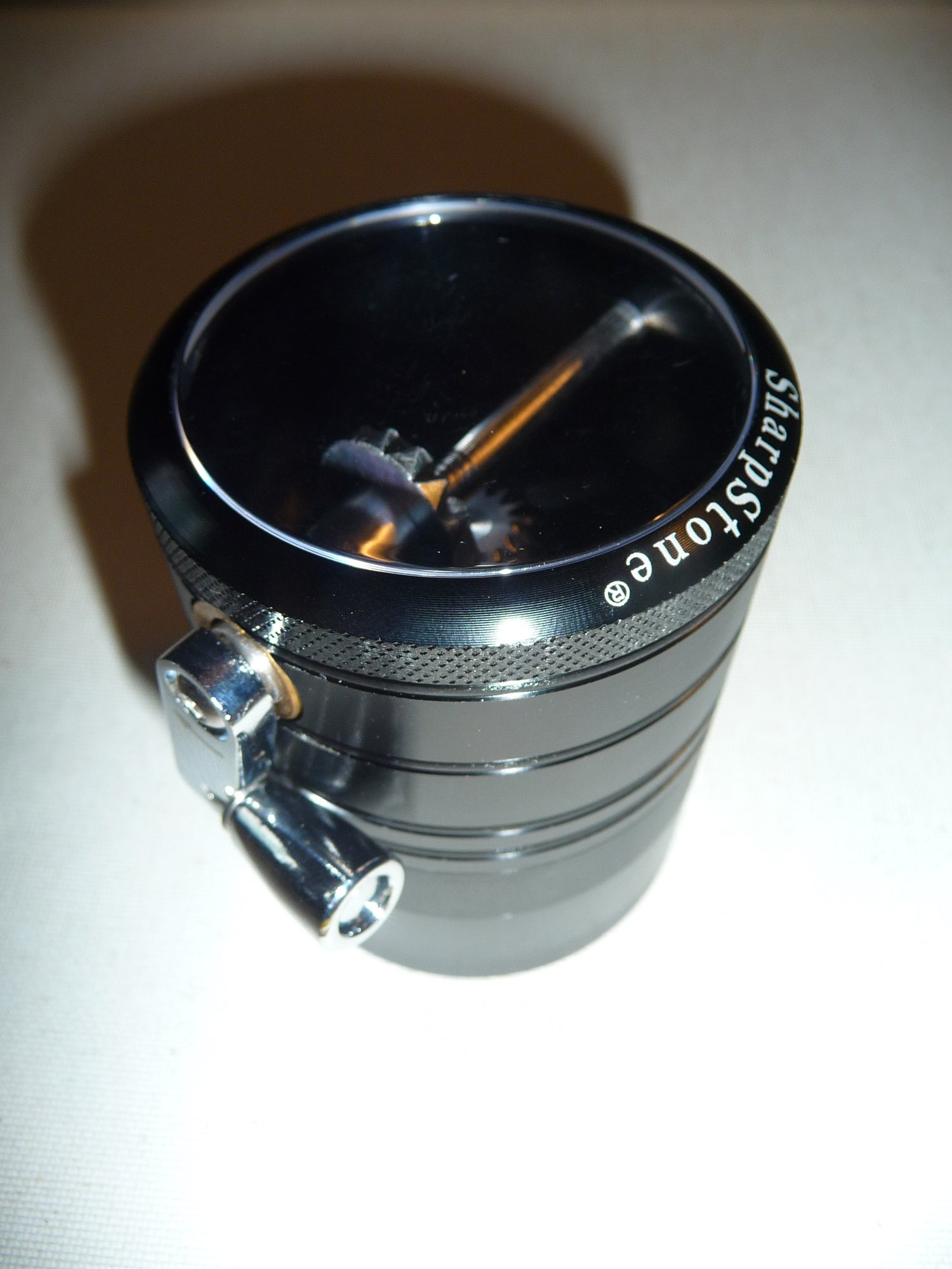 Image of NEW SHARPSTONE LARGE PREMIUM HERB GRINDER JET BLACK