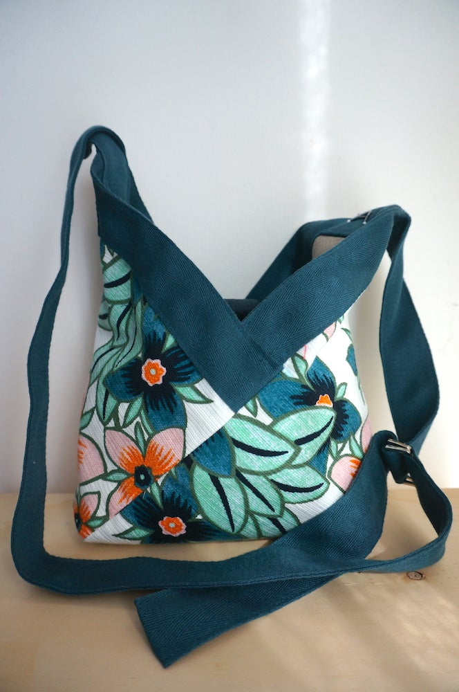 Image of Sac Yvonne adjustable crossbody Power flower