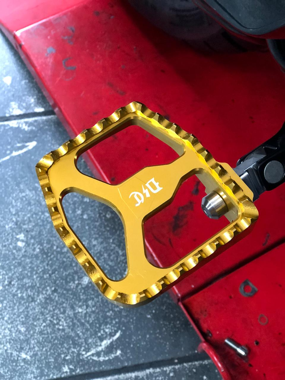 Image of Dynamite Crew Mini Floor board for Twin cam models