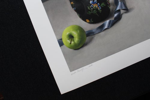 Image of Apples and Ribbon