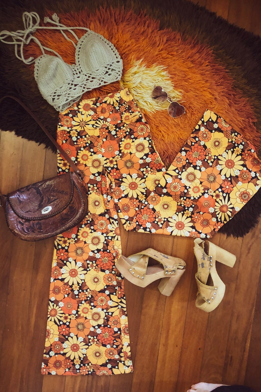 Right on flares in Come and get your love print orange