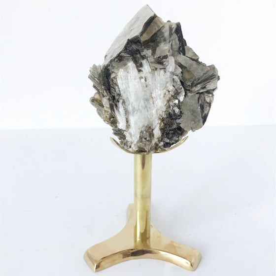 Image of Mica/Quartz no.76 + Brass Stand