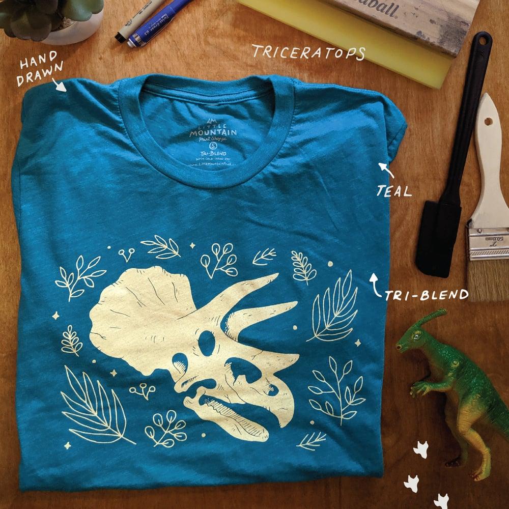Image of Triceratops skull T-shirt