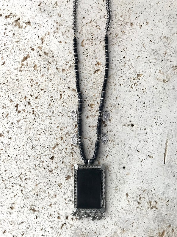 Image of Collier pendentif rectangle GIPSY ROCK
