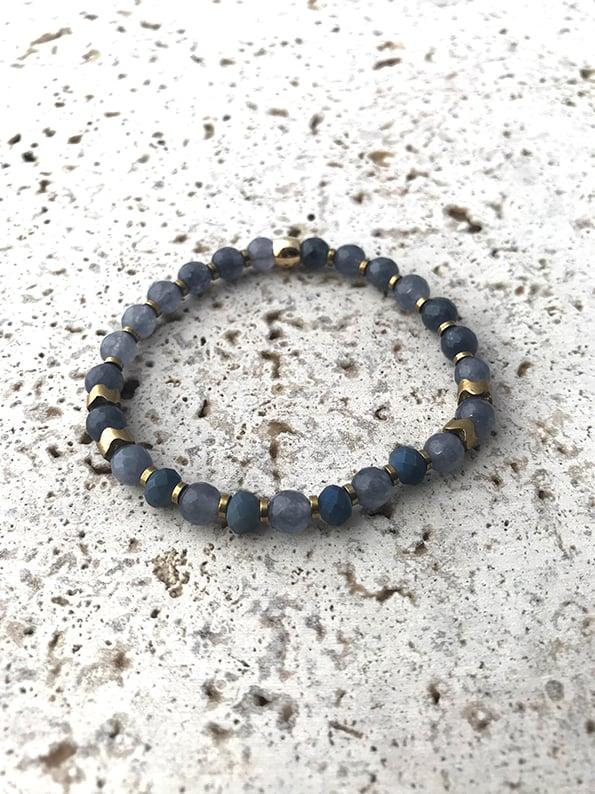 Image of Bracelet élastique petites pierres bleues TALISMAN