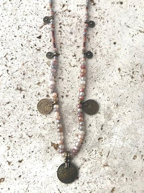 Image of Sautoir pierres médailles POKHARA