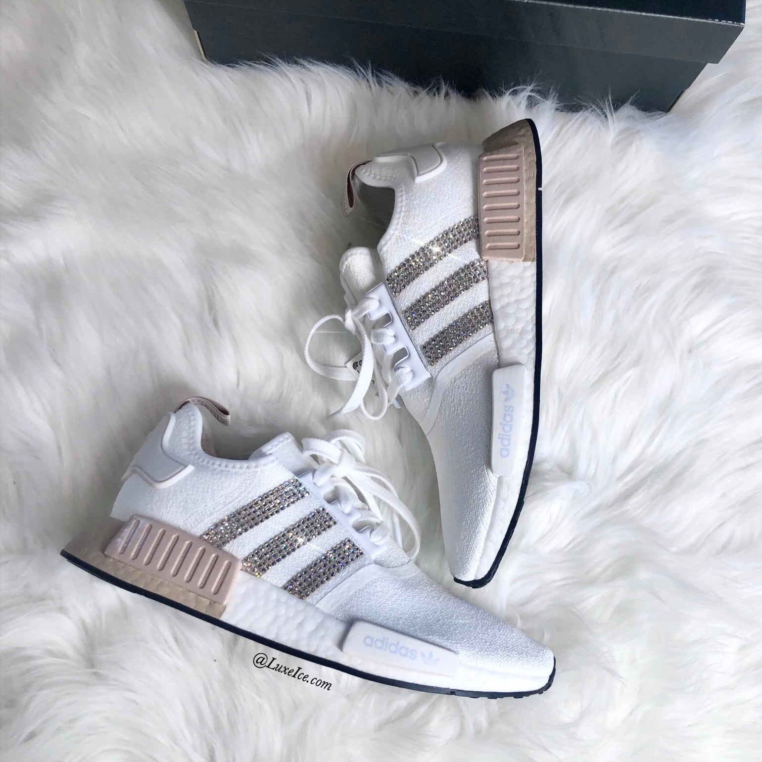 pavo Autorizar Consulta  Swarovski Adidas NMD Runner Casual Shoes White/Ash Pearl customized with  Swarovski Crystals. | Luxe Ice