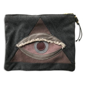 Image of ALL SEEING EYE POUCH - AMETHYST