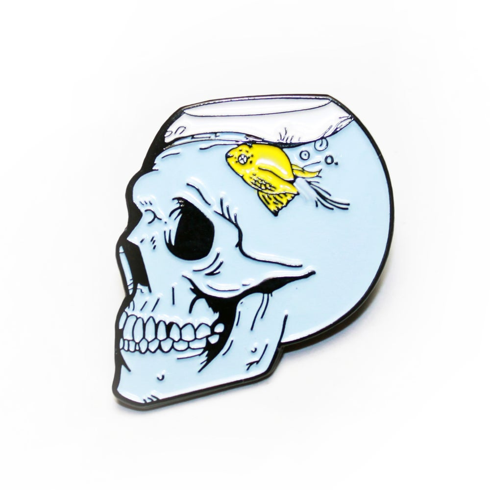 Image of fish bowl skull pin