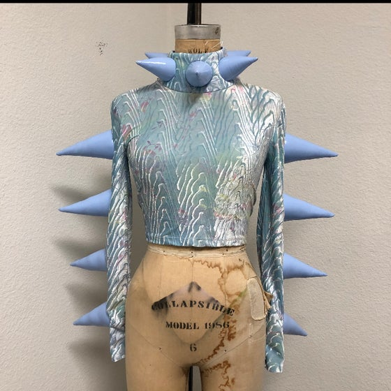 Image of BLUE VELVET SPIKE TOP