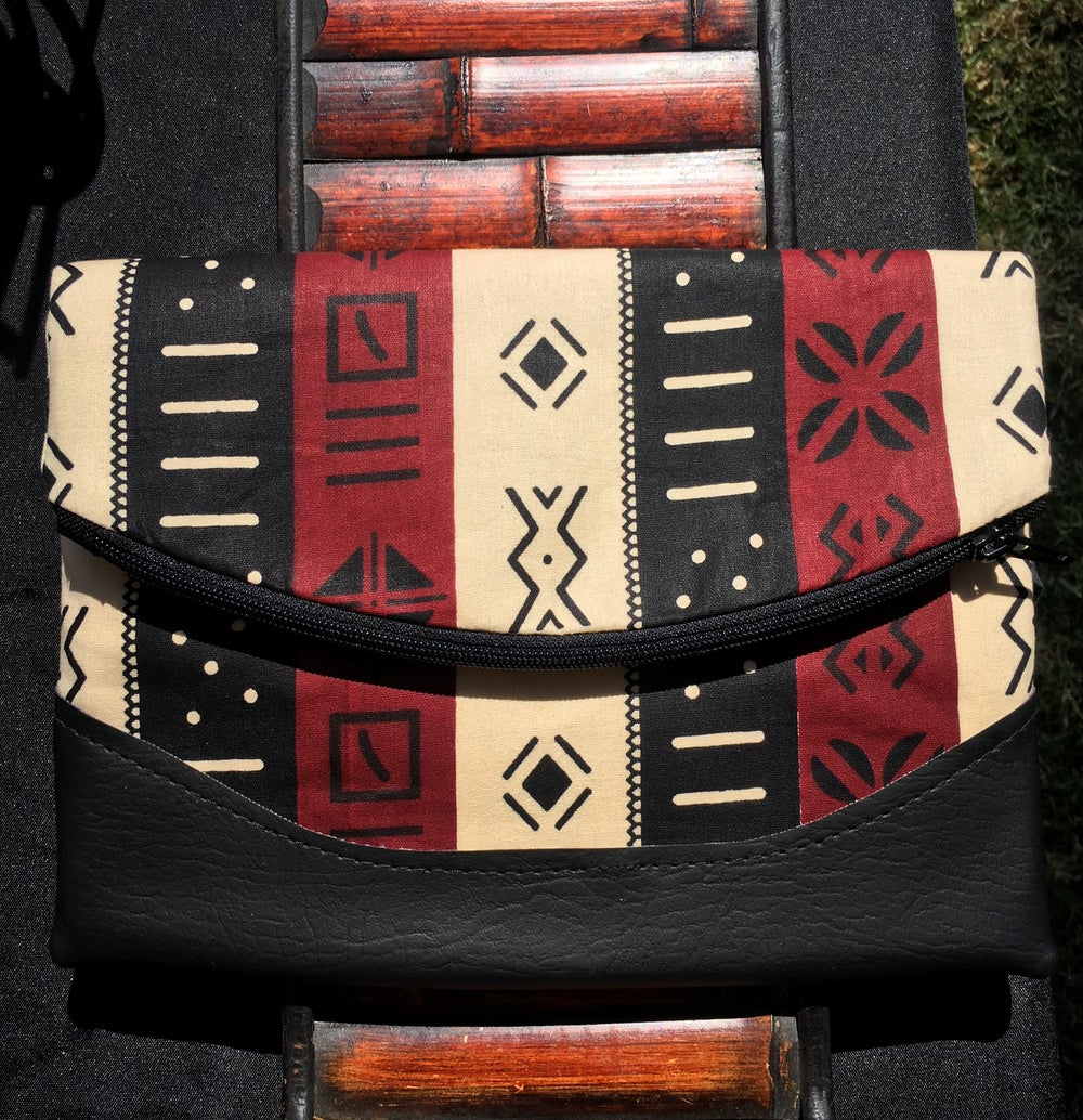 Image of Designs By IvoryB Crossbody Heidi Mudcloth Print