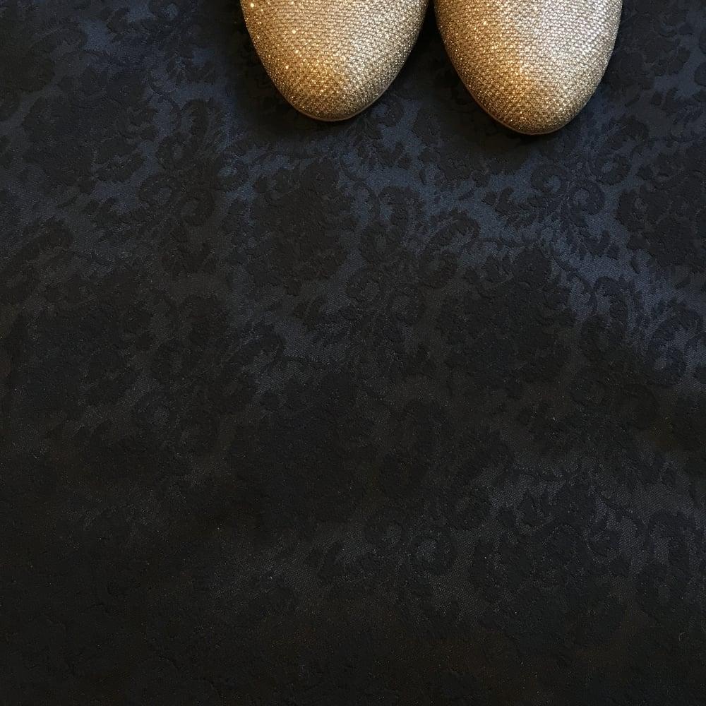 Image of Jacquard noir satiné, COUPON 3m en 150 de large