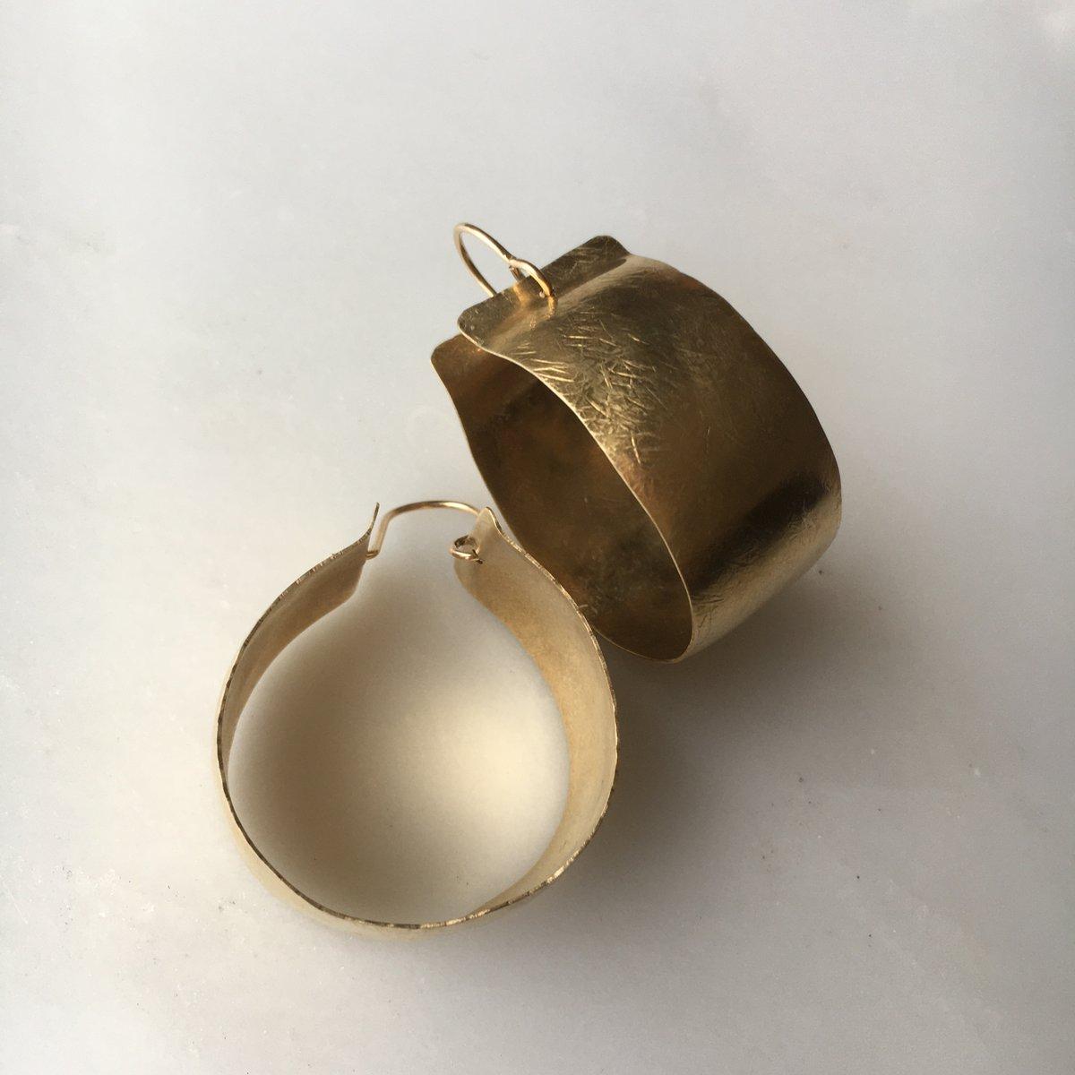 Image of lue hoop