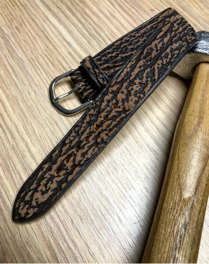 Image of Xmas Special : Brown Shark classic strap