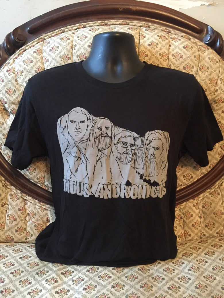 "Image of ""MOUNT RUSHMORE"" SHIRT"