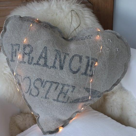 Image of Coeur en toile postale et chanvre ancien.